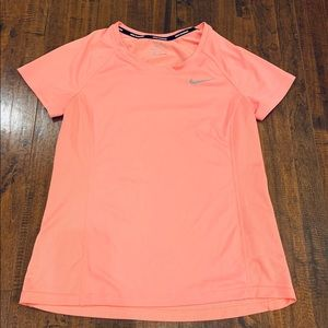 Nike Dry-Fit top. EUC!